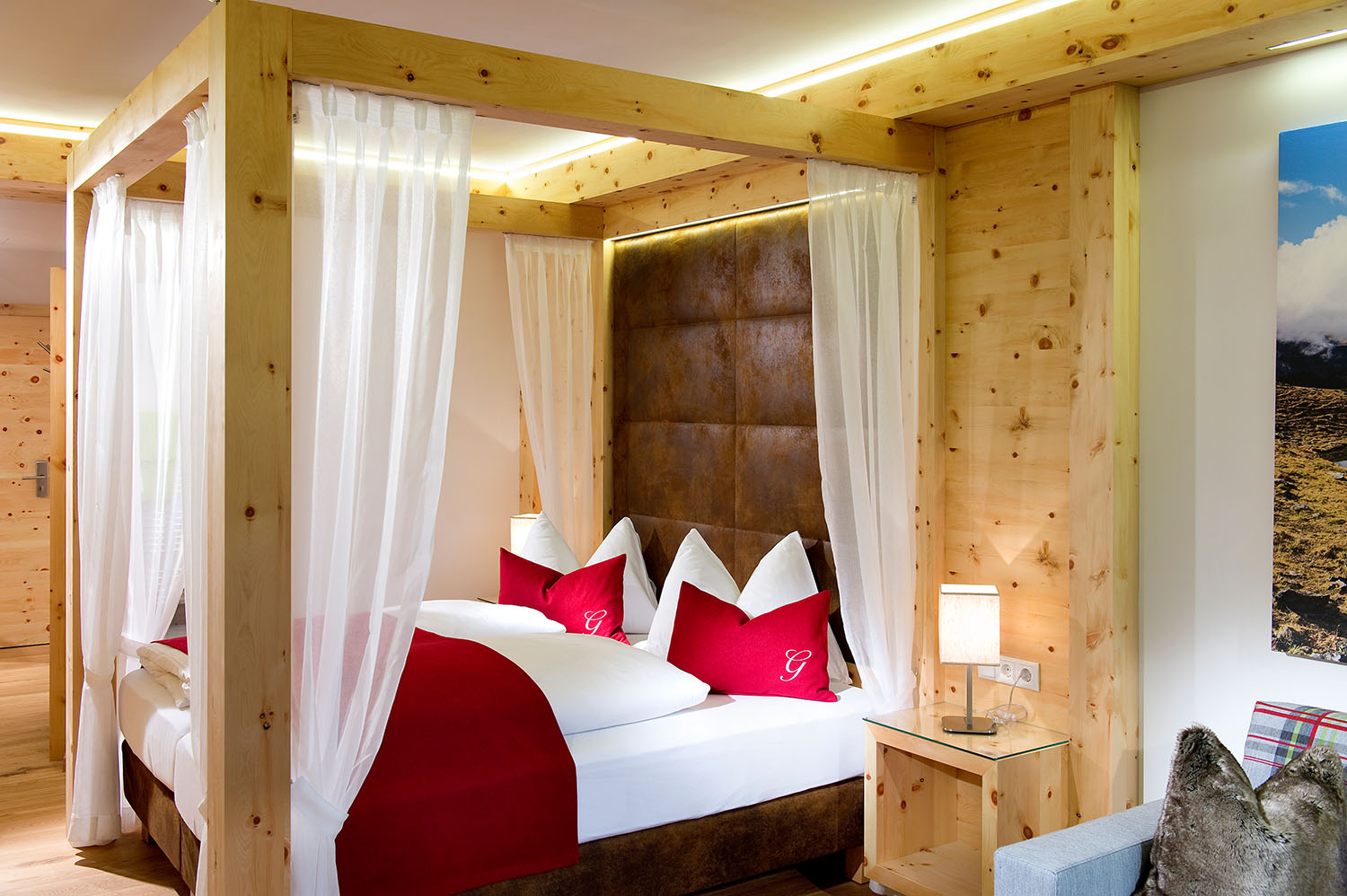 Just to fall in love with - the double room with four-poster bed in the Hotel Gambswirt